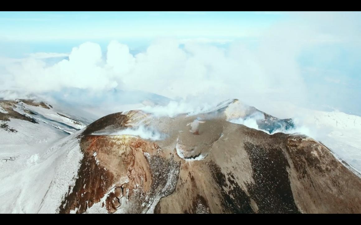 Volcans sacrés